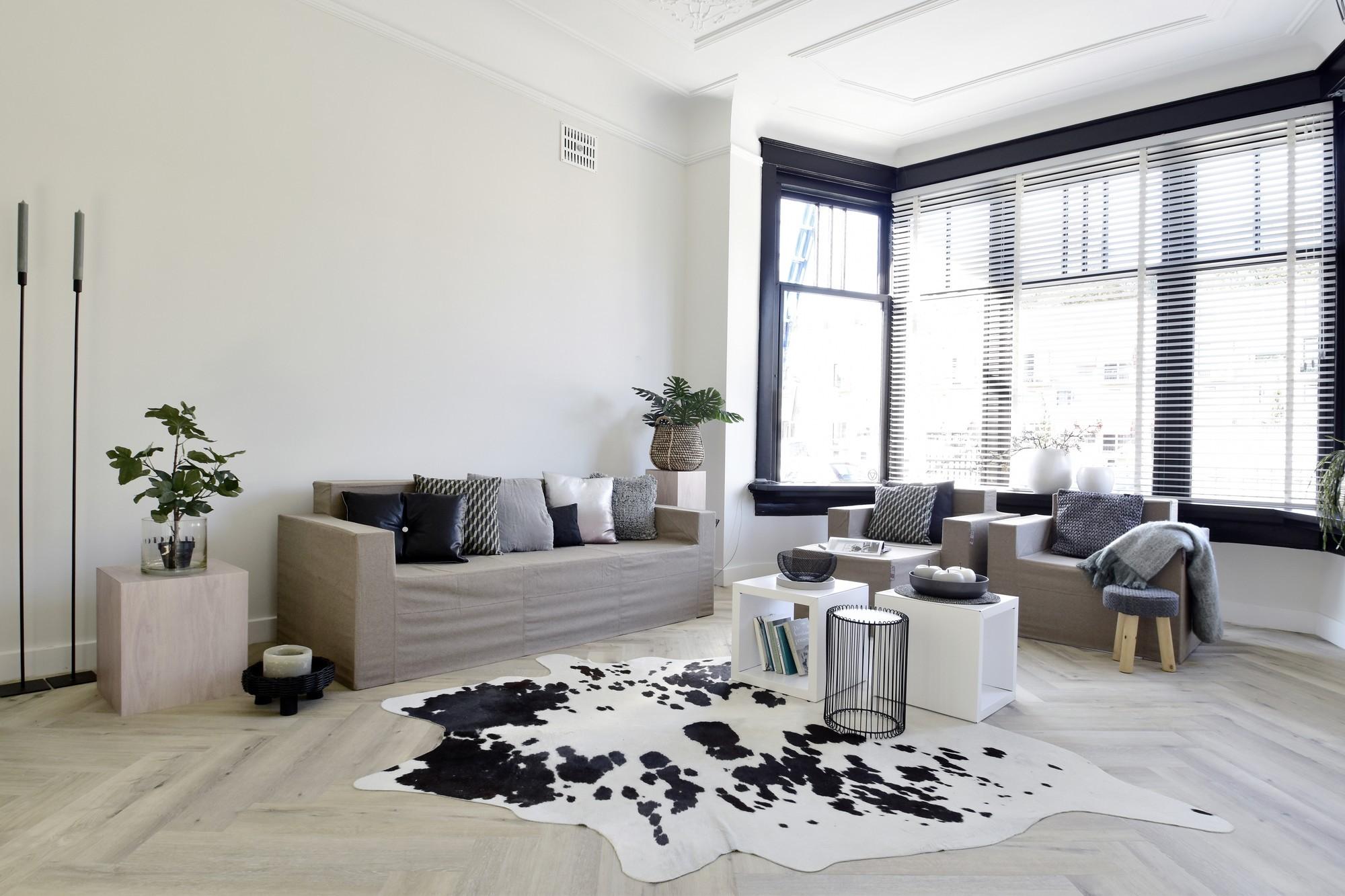CUBIQZ cardboard livingroom furniture for Home Staging